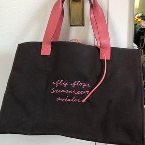 Kate Spade weekender bag w words, pockets, GOOD
